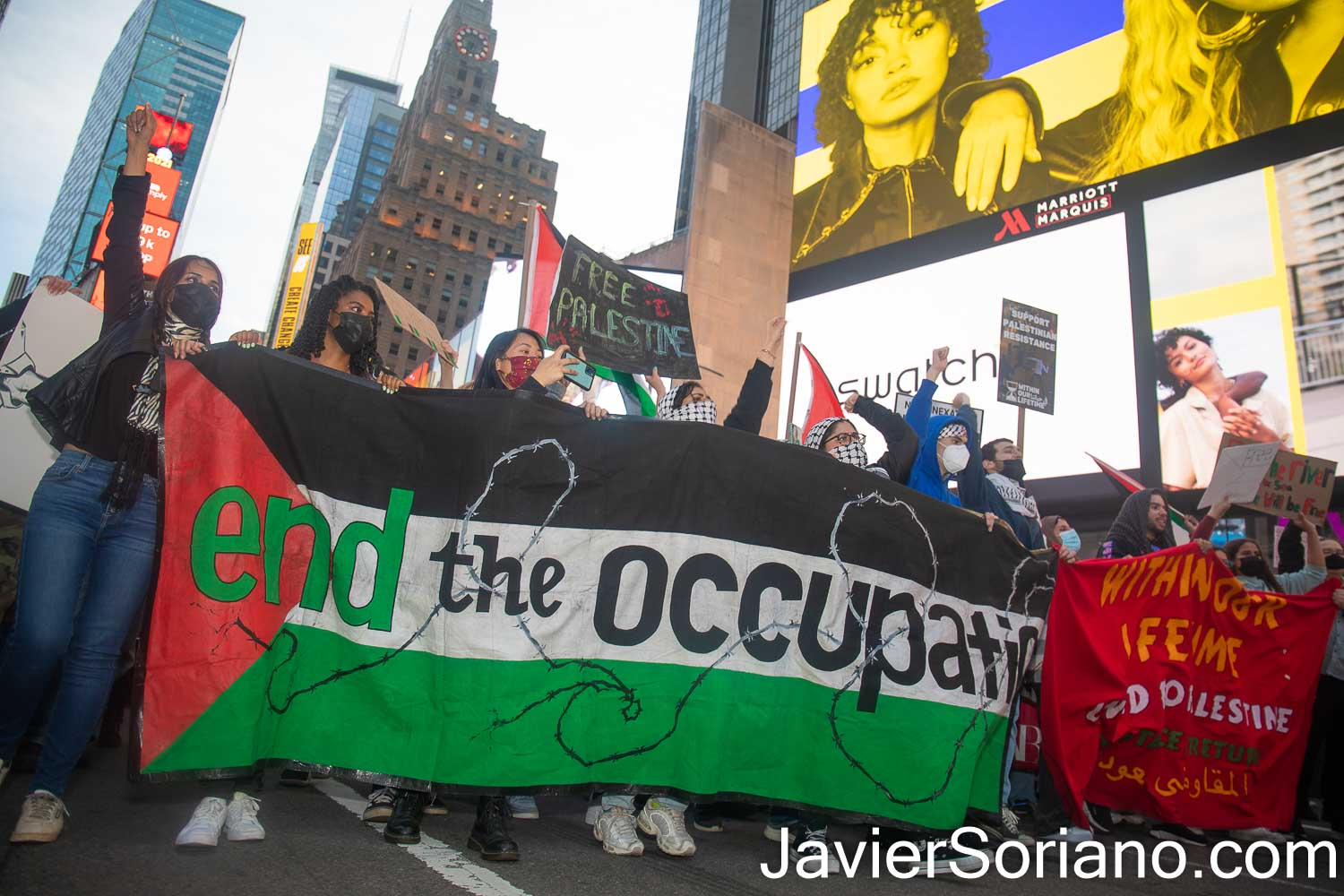 Tuesday, May 11, 2021. Manhattan, New York City – NY4Palestine, Palestinian Youth Movement (PYM), Al-Awda NY: The Palestine Right to Return Coalition, Samidoun Palestinian Prisoner Solidarity Network and Within our Lifetime • United for Palestine held a rally and march in solidarity with Palestine and its resistance. Thousands of Palestinians and their allies gathered outside the Zionist (Israeli) mission to the United Nations. After the rally, they marched to Times Square and then to Central Park/Columbus Circle in Manhattan, New York City. Photo by Javier Soriano/www.JavierSoriano.com