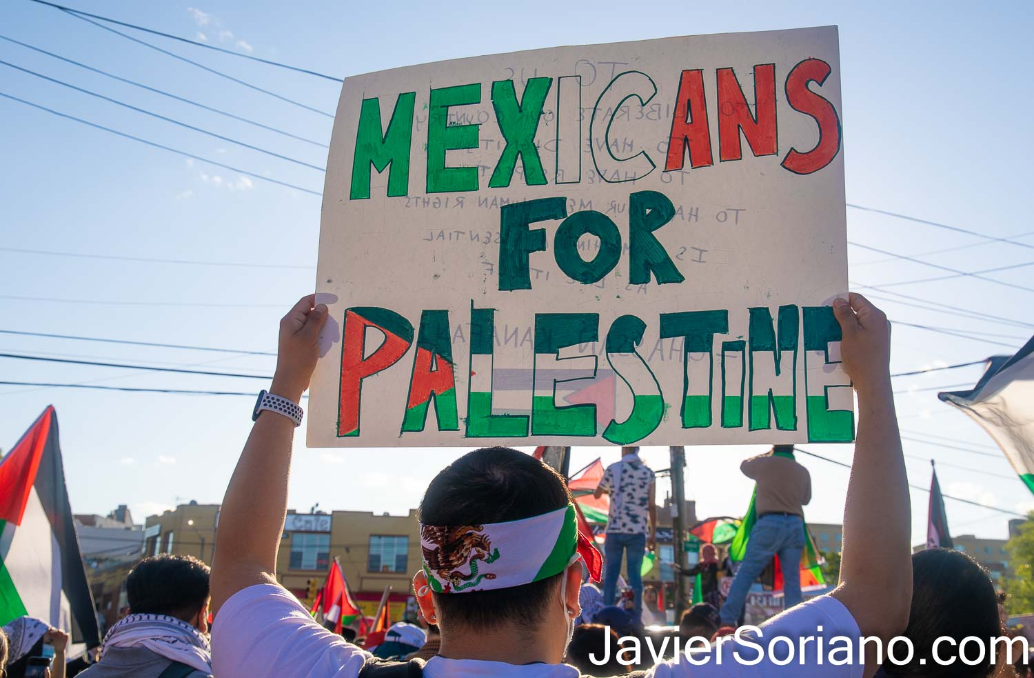 """Monday, May 31, 2021. Bronx, New York City - Rally and march for Palestine.   THIS PHOTO: A Mexican man with a sign that reads: """"Mexicans for Palestine"""".  Photo by Javier Soriano/www.JavierSoriano.com"""